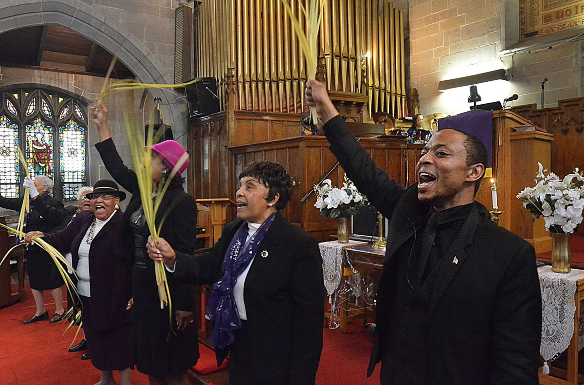 Believers don't leave church empty handed on Palm Sunday | News
