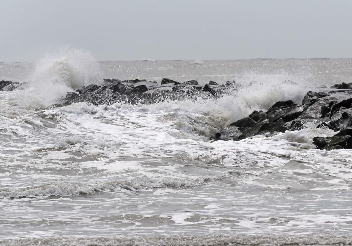 Coastal waves and flooding