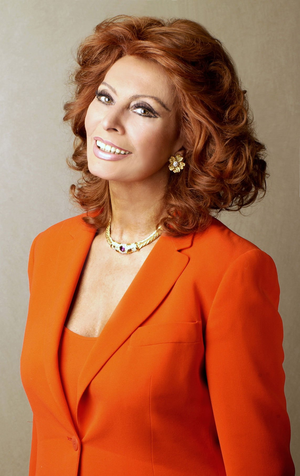 Hollywood icon Sophia Loren to share tales from her ...