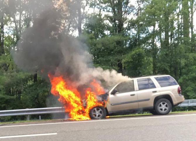 Car fire on Atlantic City Expressway (copy)