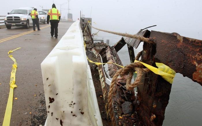 Bridge Crash Folo