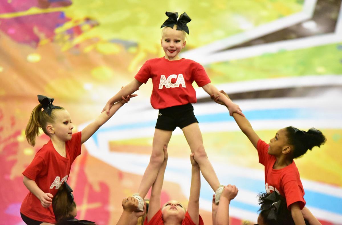 121017_spt_cheerleading 02