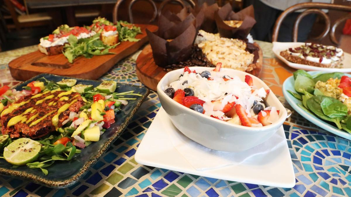 Intellectuals and foodies alike positively convene at cafe on 4th