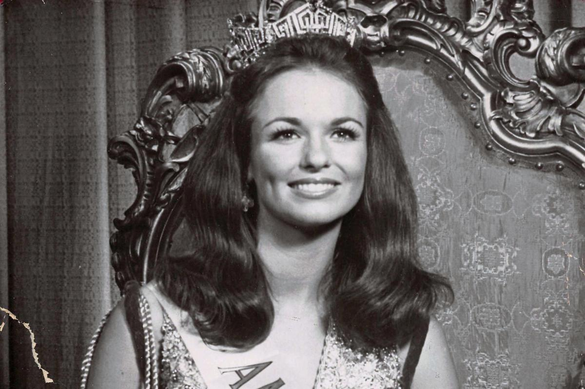 Phyllis George, 1971 Miss America and NFL broadcasting pioneer ...