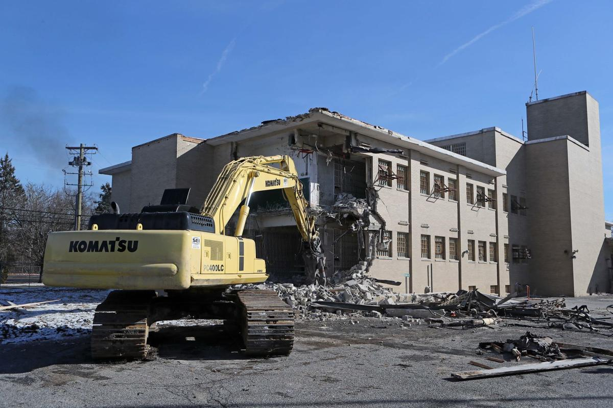 Old Atlantic County Jail being demolished