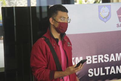 Virus Outbreak Indonesia Fake Identity