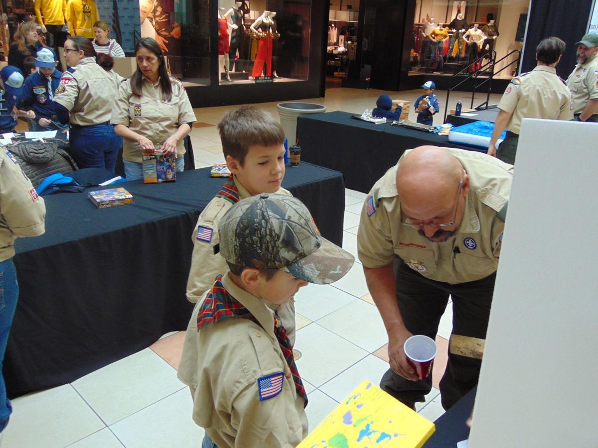 URG scout show 127a 0207-2.JPG