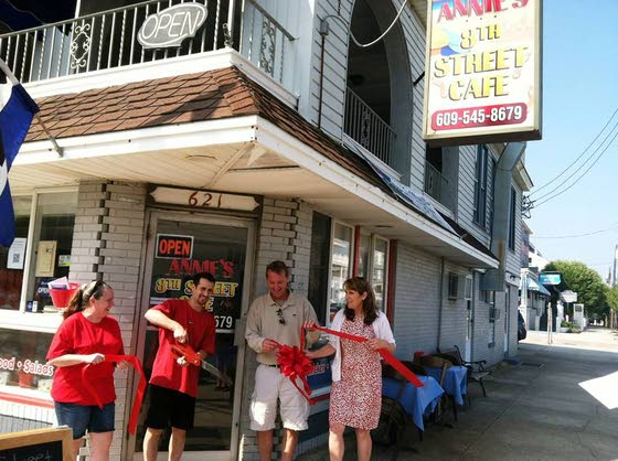 Annie's 8th Street cafe in Ocean City keeps work, menu items in the family