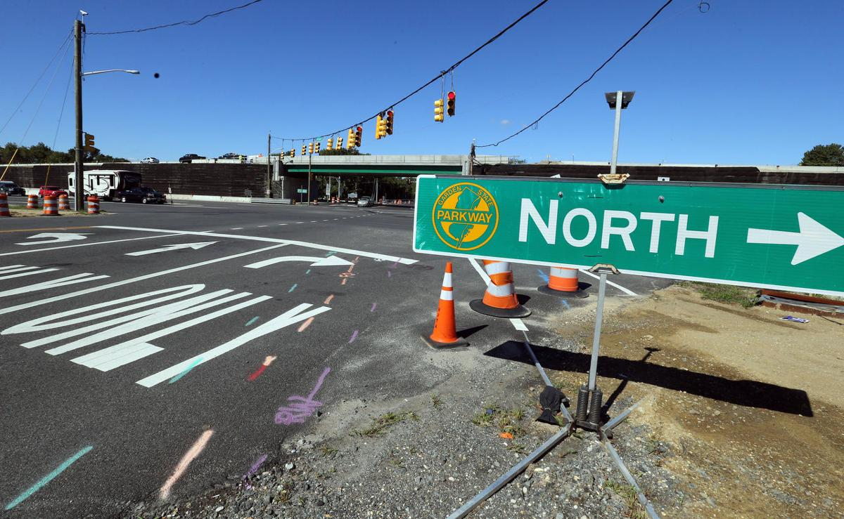 Project To Eliminate Cape Parkway Traffic Lights Nearing