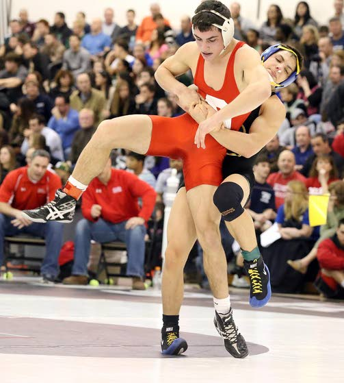 Middle's Curtis upsets No. 2 seed to advance