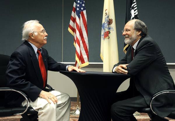 Gov. Jon S. Corzine speaks with veterans