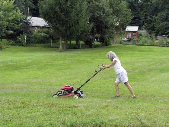 Green Thumbs: Grass clippings benefit lawn and the environment