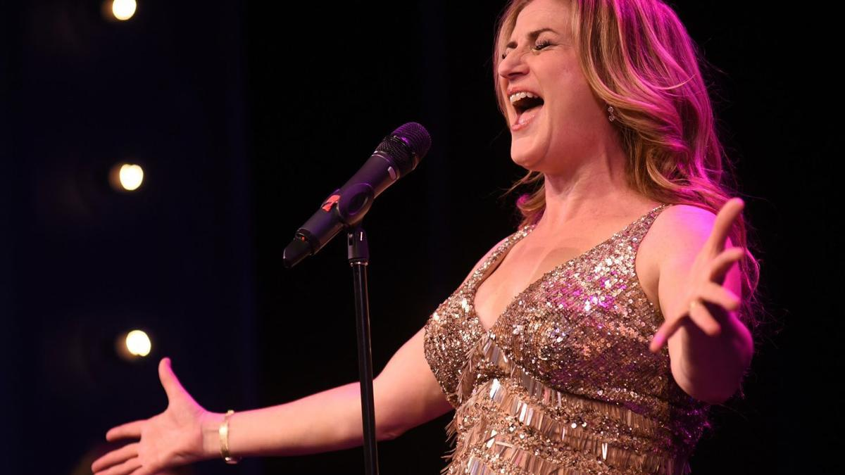'SNL' alum Ana Gasteyer on jazz, cheese boards and her dream of playing A.C.