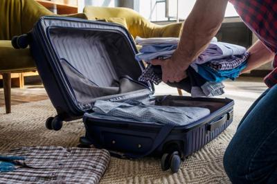 There are various types of digital nomads who live life moving from place to place, and their packing lists are different.