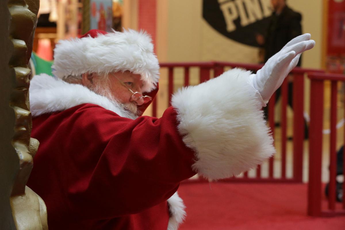 Hamilton Mall Santa
