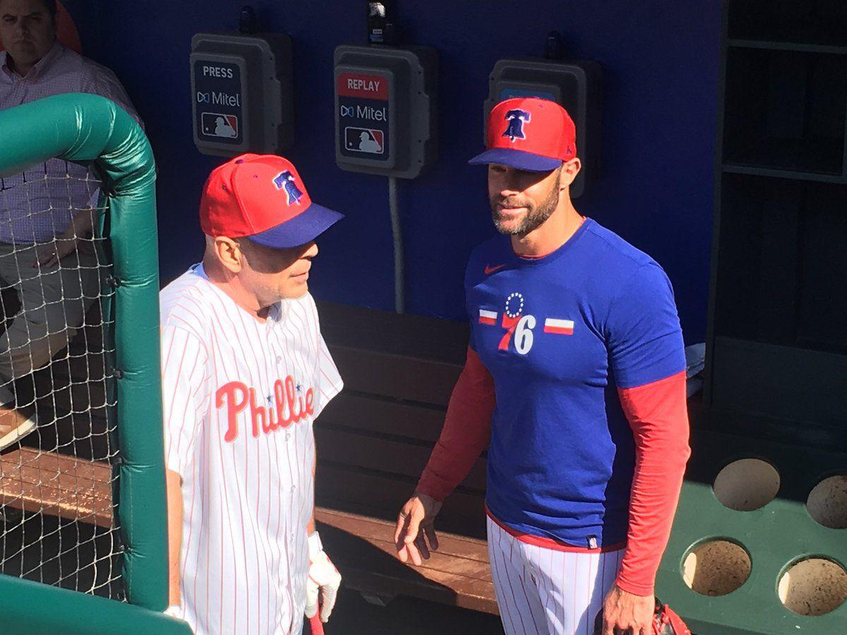 Bruce Willis and Phillies manager Gabe Kapler chat