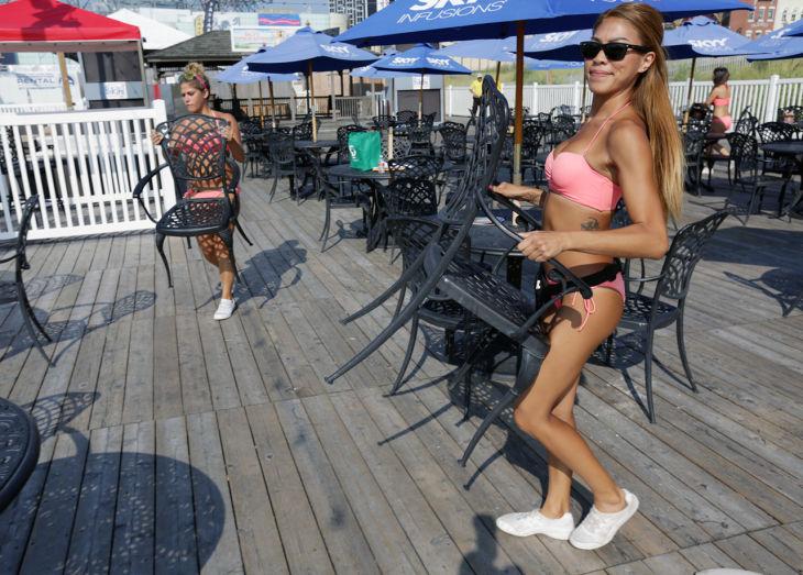 Bikini bar chicago