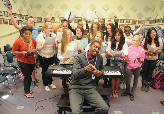 Oakcrest stays close to home in hiring replacement for longtime choral leader