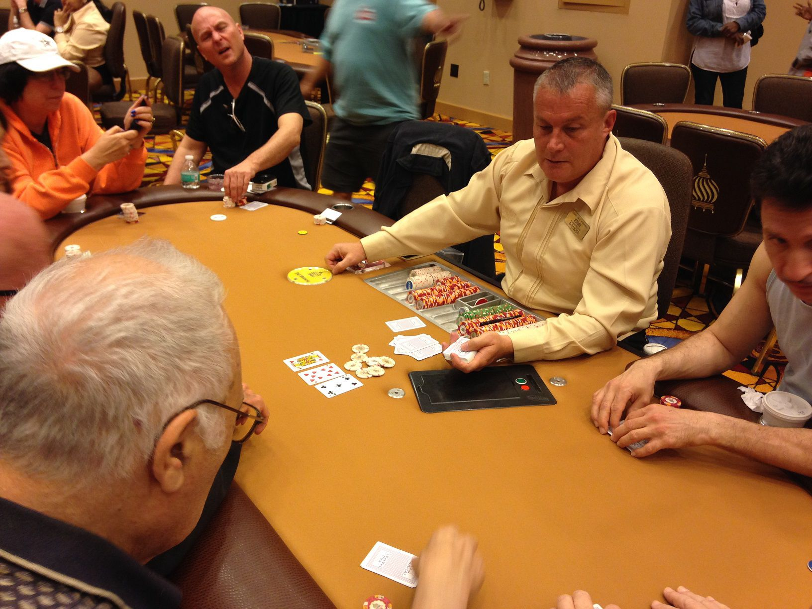 snoqualmie casino poker