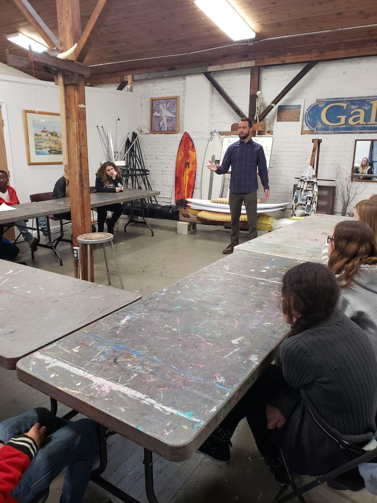 041819_cap_teenarts surfing workshop