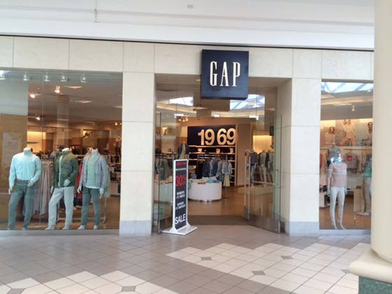 Cumberland Mall Gap to close Tuesday