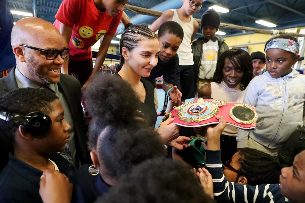 Claressa Shields vs. Christina Hammer battle for the undisputed women's middleweight title