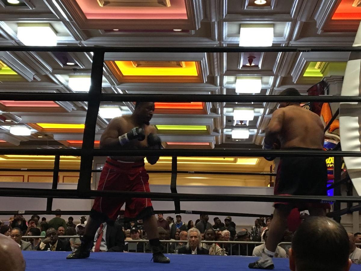 Quian Davis earns tough win