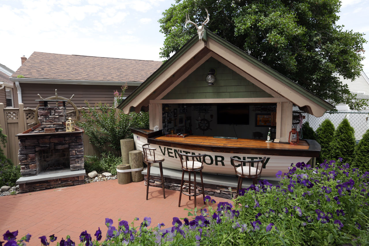 Real Estate Resume%0A Ventnor garden tours resume three years after Sandy   Margate Ventnor  Longport   pressofatlanticcity com