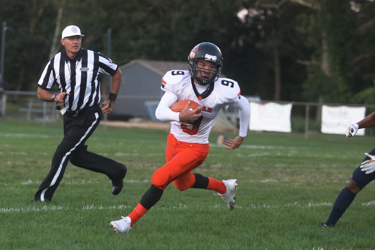 Middle v Holy Spirit football
