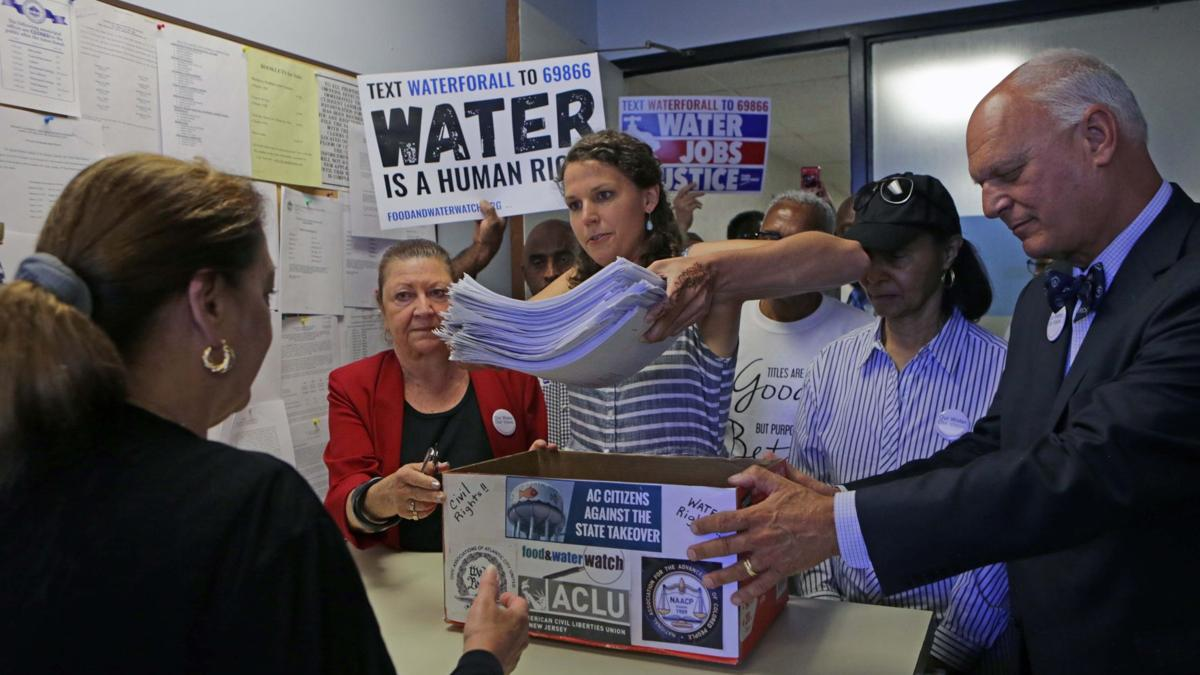 Advocates push to the last moment for rights to vote on water system