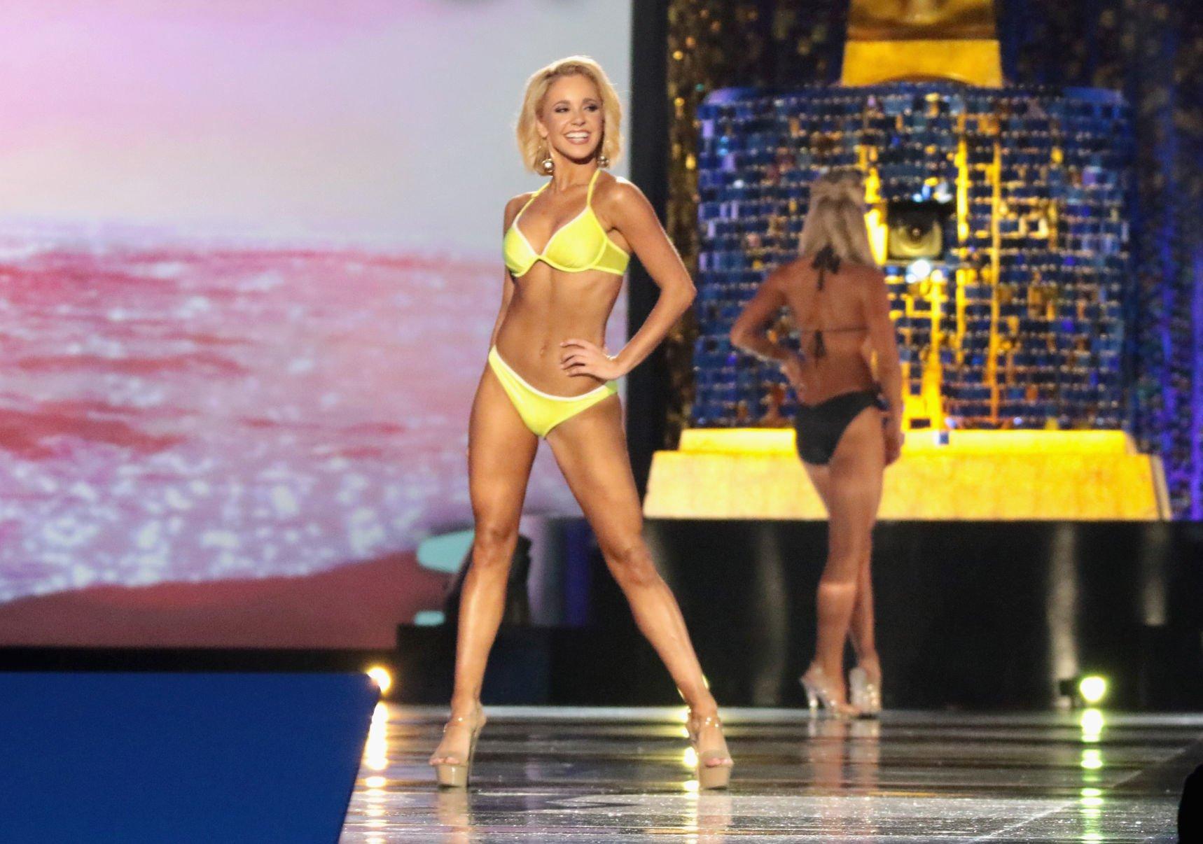 Bikini Jo Guest nude (72 photo), Tits, Leaked, Twitter, cleavage 2006