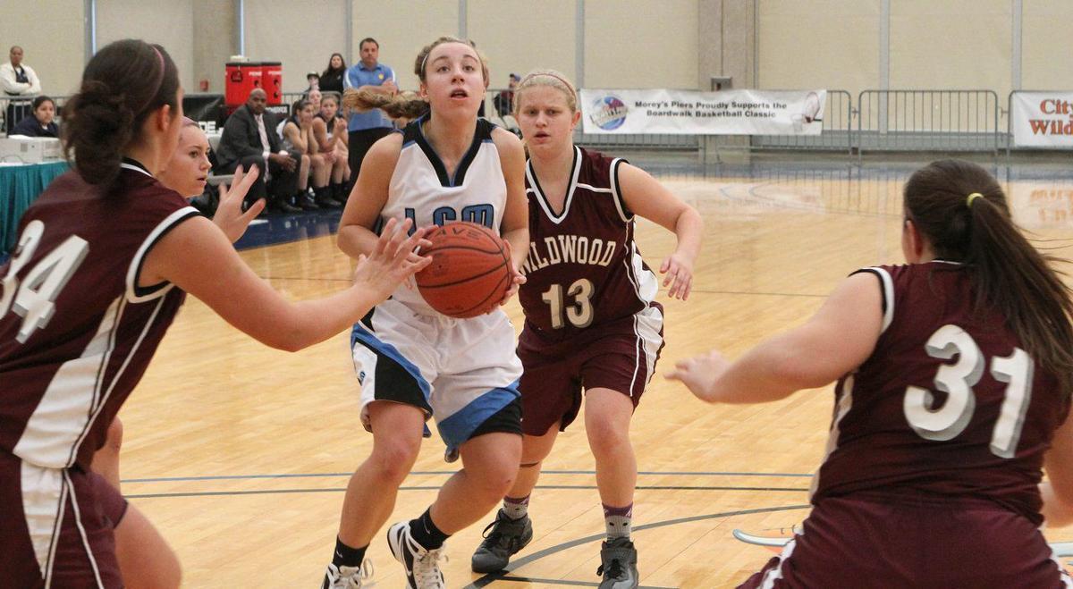 Lauren Holden, basketball, 2015