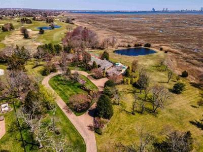 5 Bedroom Home in Northfield - $1,150,000