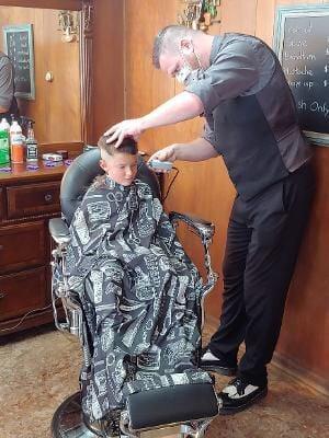 090320_gal_haircuts 1