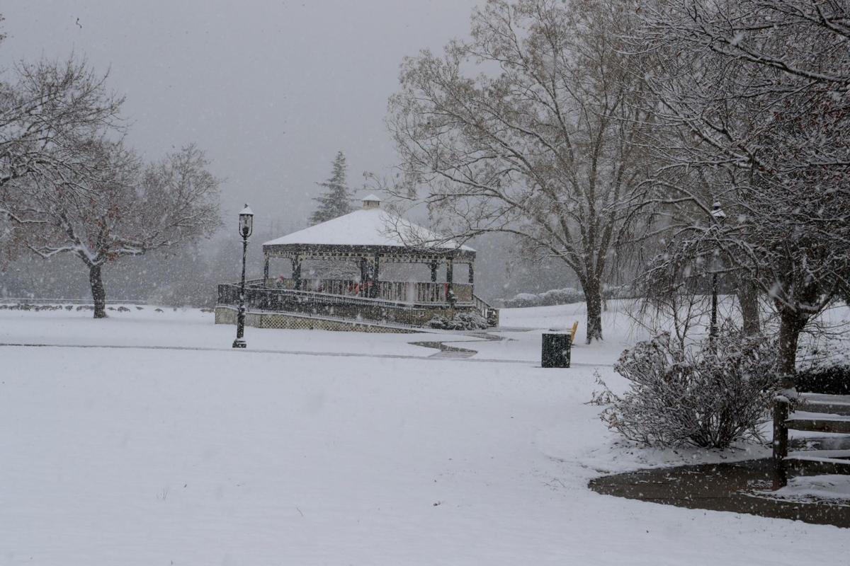 120618_nws_snow