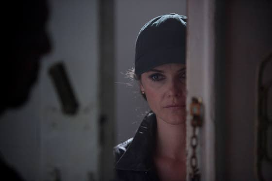 Keri Russell and Matthew Rhys play Russian spies in the 'burbs