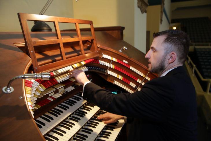 Boardwalk Hall 39 S Kimball Organ To Accompany Silent Film At