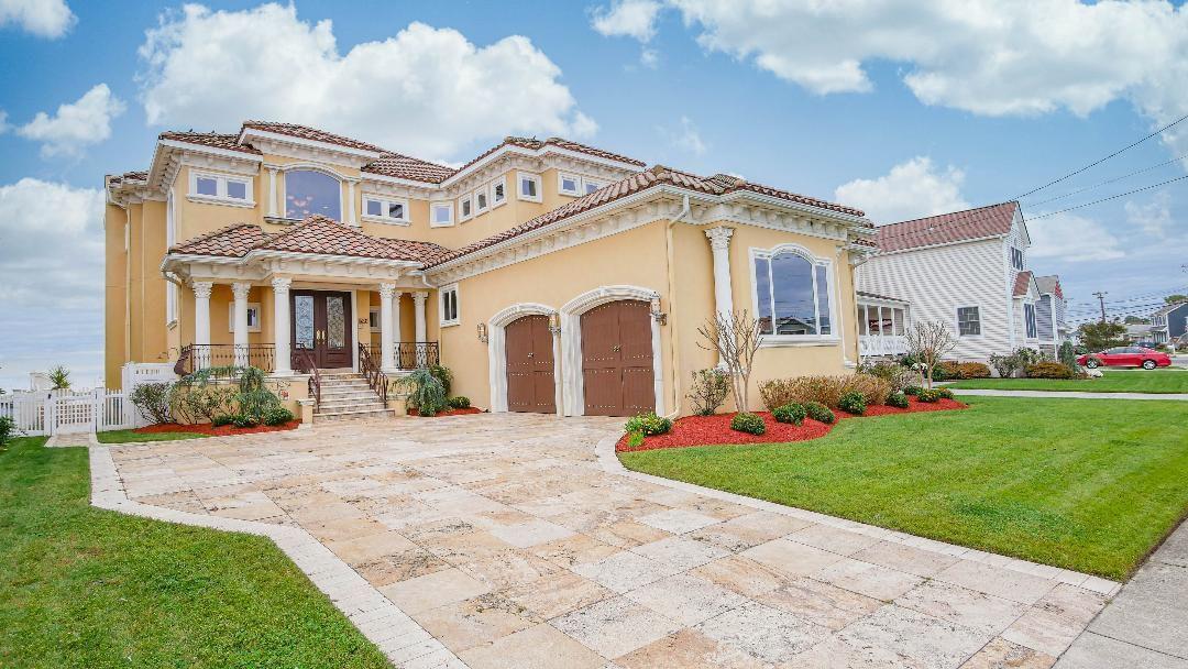 Brigantine villa, exterior.jpg