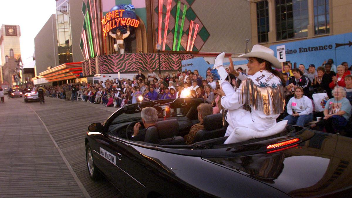 Miss America Parade 1999