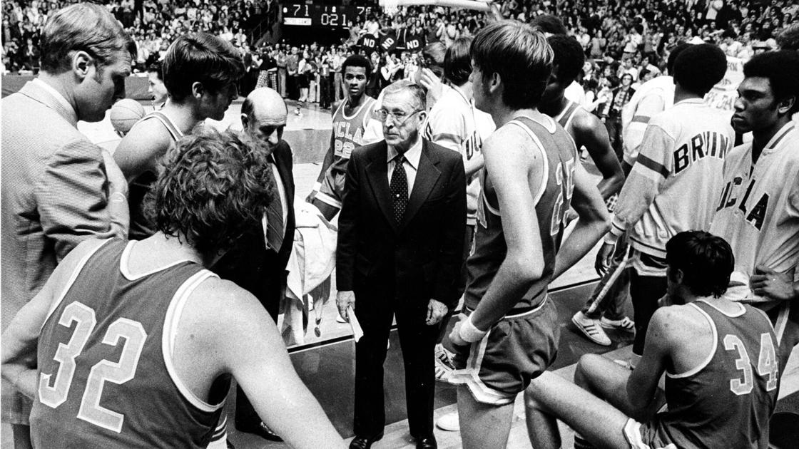 Today in sports history: Notre Dame snaps John Wooden's UCLA Bruins' 88-game winning streak in 1974