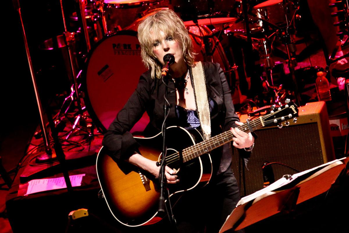 Lucinda Williams Doesnt Have To Suffer To Be Beautiful Headliners