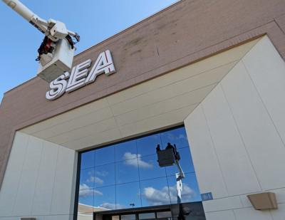 Removing Sears logo