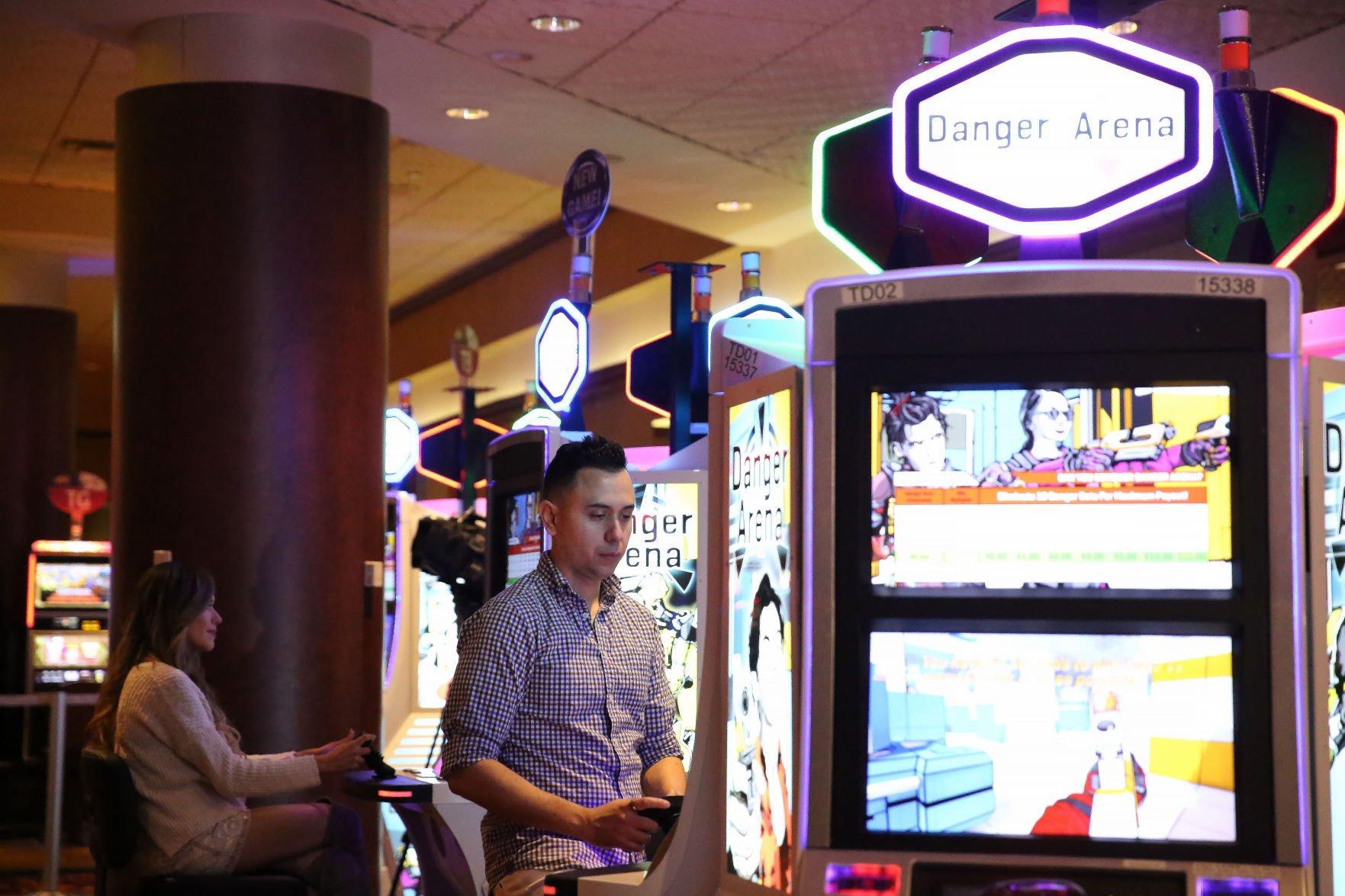 Online skill based gambling table craps