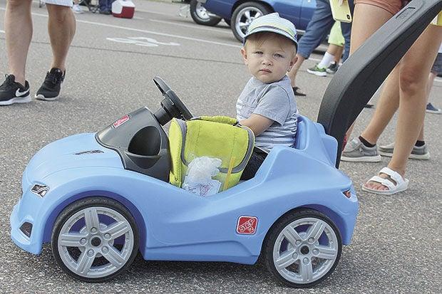 Lino Lakes Community Fest: Fun at festival, Blue Heron Days parade