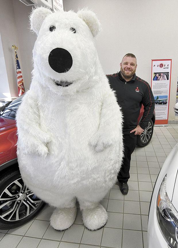White Bear Mitsubishi >> Mitsubishi S White Bear Slips Into Worldwide Fame News