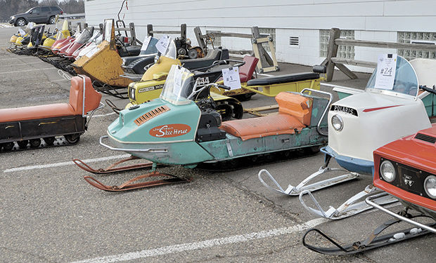Vintage Snowmobile Clubs 106