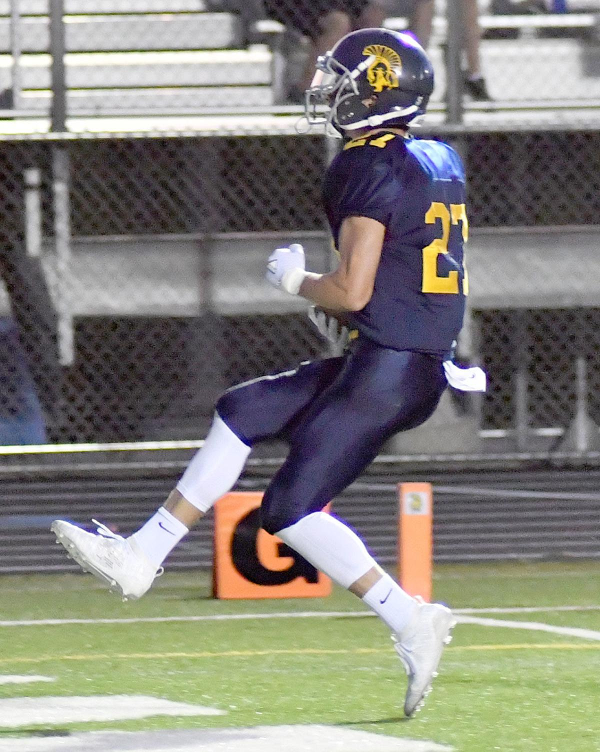 Football: Zephyrs fall to Park's late surge 13-10