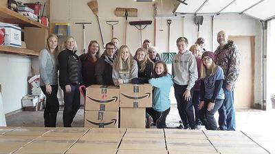 Volunteers pack over 1,000 pounds