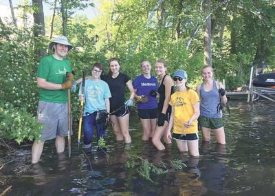 Mahtomedi scientists fundraise through work projects
