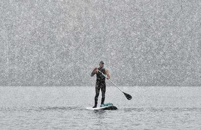 Snowstorm paddle board